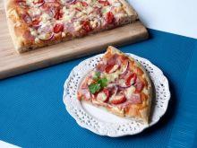 Pizza z ziołami i suszoną cebulą