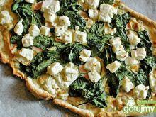 Pizza ze szpinakiem i białym sosem