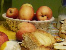 Placek drożdżowy z jabłkami