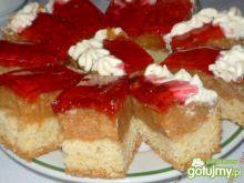 Placek z jabłkami i śmietaną kremówką