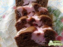 Placek z różową serową kratką