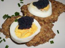 Placki gryczane z jajkiem i kawiorem Zubr'a