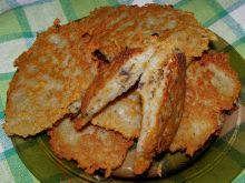 Placki kartoflane z kiszoną kapustą i pieczarkami