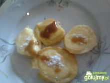 Placki kukurydziane z jabłkami.