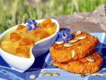 placki marchwiowe z sosem z moreli