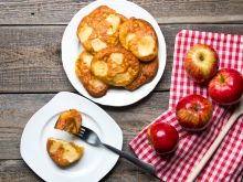 Placki z jabłkiem