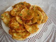 Placuszki po włosku z oliwkami i papryką