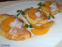 Placuszki serowe z brzoskwinią