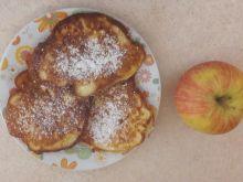 Placuszki z jabłkiem na jogurcie