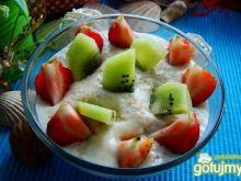 Płatki owsiane na mleczku z owocami