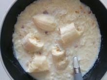 Platki ryżowe na mleku z bananami