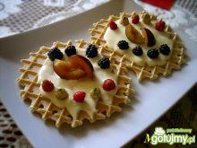 Podpłomyki z owocami i masą mascarpone