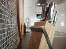 Podstawowe wyposażenie - noże i przybory