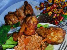 Podudzia kurczaka pieczone na ryżu
