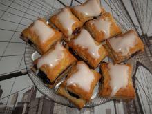 Poduszeczki z ciasta francuskiego