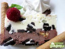 Podwójnie czekoladowy tort lodowy