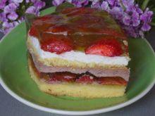 Podwójnie truskawkowe ciasto z galaretką
