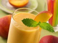 Polacy od soków owocowych wolą wodę