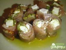 Polędwicowe ruloniki z fetą i pesto