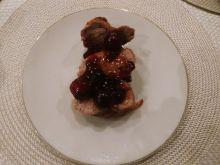 Polędwiczka wieprzowa z wiśniami