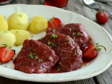 Polędwiczki w sosie truskawkowym