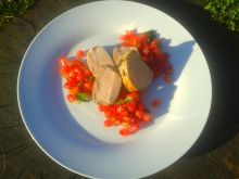 Polędwiczki wieprzowe z salsą z granatów