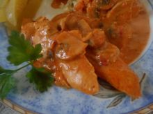 Polędwiczki z pieczarkami w sosie