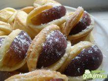 Półfrancuskie ciastka serowe z brzoskwin