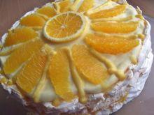 Pomarańczowy tort bezowy