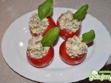 pomidorki faszerowane groszkiem