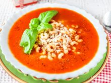 Pomidorowa na soku pomidorowym z krewetkami