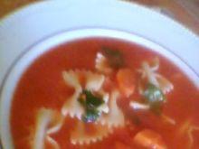 pomidorowa z kokardkami i papryką