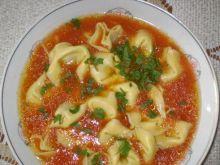 Pomidorowa z pierożkami Tortelini :