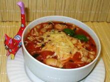Pomidorowa zupa włoska z muszelkami