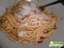 Pomidorowe spaghetti ze świezym serem