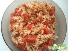 Pomidorowe świderki z tuńczykiem
