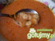 Pomidorówka z makaronem gwiazdkami