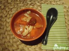Pomidorówka z makaronem i chili