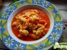 Pomidorowo marchewkowa z kluseczkami