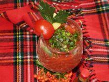 Pomidorowy napój pikantny :