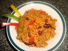 Pomidorowy ryż z warzywami na ostro
