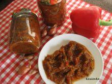Pomidorowy sos z cukinii, papryki i cebuli