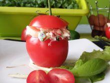 Pomidory faszerowane jajkami i fasolką