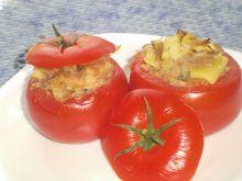 Pomidory faszerowane łazankami