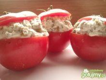 Pomidory faszerowane serem