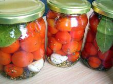 Pomidory koktajlowe w zalewie ziołowej