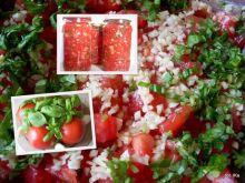 Pomidory krojone z czosnkiem i bazylią