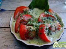 Pomidory w sosie z czosnku dzikiego