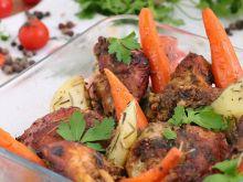 Musztardowy kurczak z pieczonymi warzywami