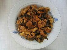 Potrawa z kurczaka z grzybami leśnymi